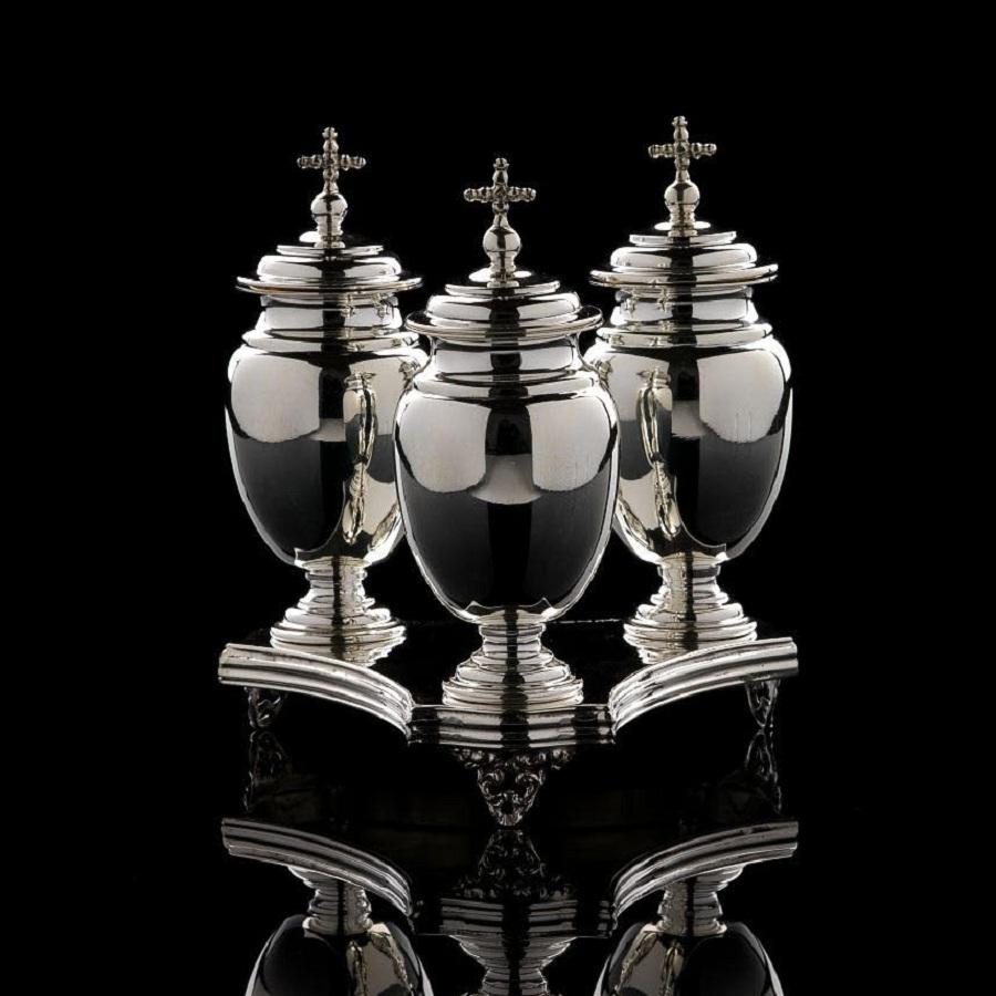 Ampolle in argento per olio e vassoio art. 756 + art. 804