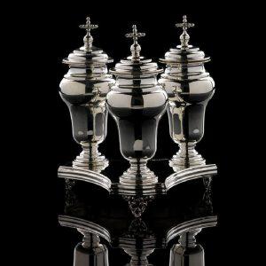 Ampolle in argento Per olio Santo e vassoio art. 757 e art. 804